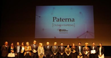 Paterna premia a sus seis mejores empresas y empresarios del año